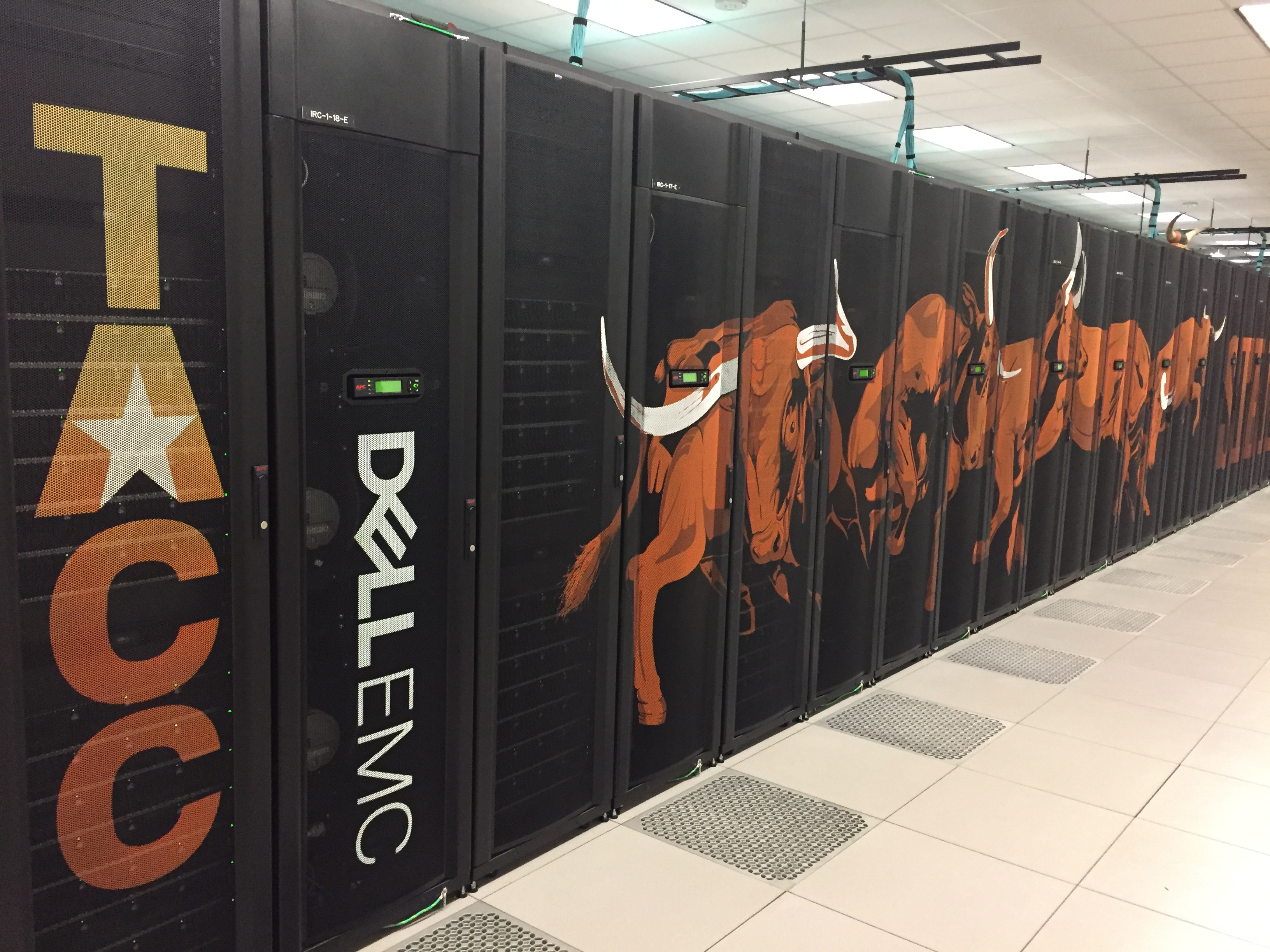 Supercomputers at UT Austin's TACC. Photo: Mackenzie M. Johnson
